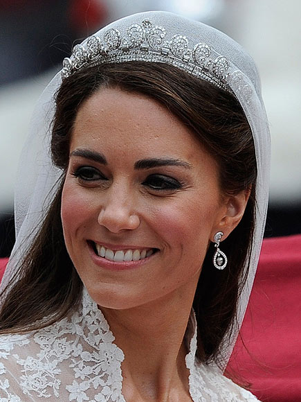 La duquesa de Cambridge el día de su boda con la Scroll Tiara
